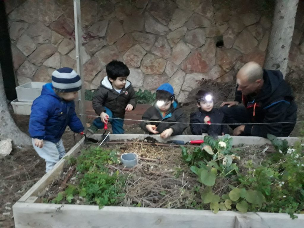 Water saving activity with children in Jerusalem